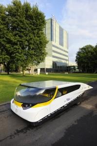 auto op zonne energie door TU eindhoven